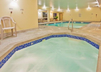 Indoor Swimming Pool And Whirlpool 4 of 12