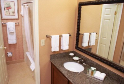 Suite Bathroom 13 of 15