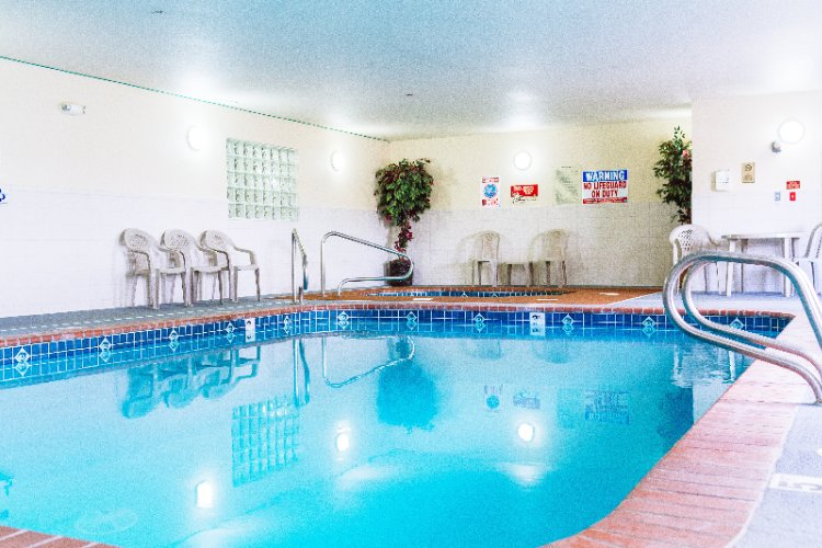 Indoor Swimming Pool 17 of 31