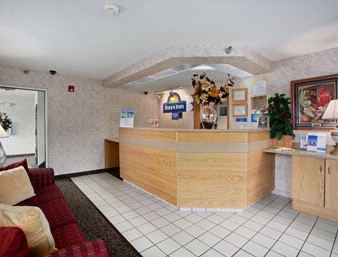 Front Desk And Lobby Area 3 of 8
