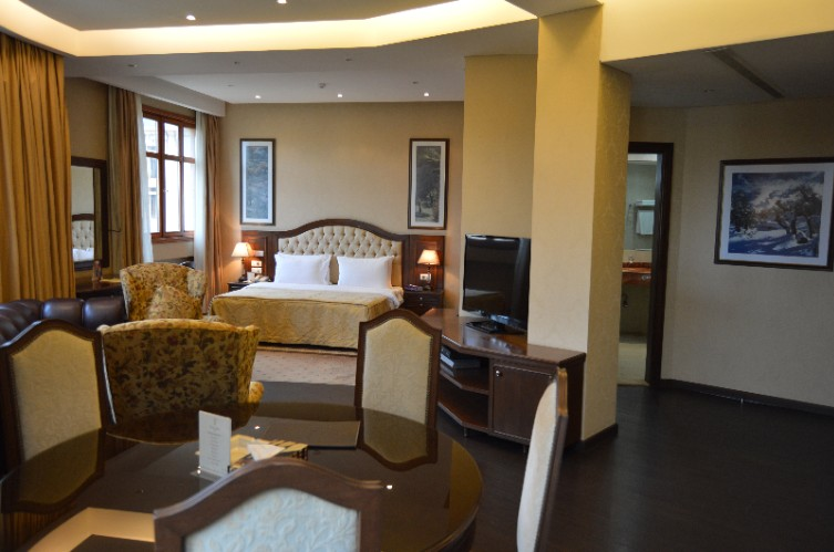 Room photo 18 from hotel Etoile Suites Beirut