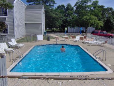 Exterior Pool 10 of 12