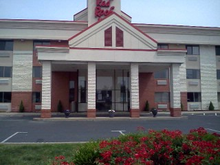 Image of Red Roof Inn & Suites Elyria Ohio 44035