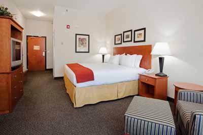 Our Large Rooms Help You Relax After A Long Day At Work Or Play In Utah\'s Dinoland. 4 of 9