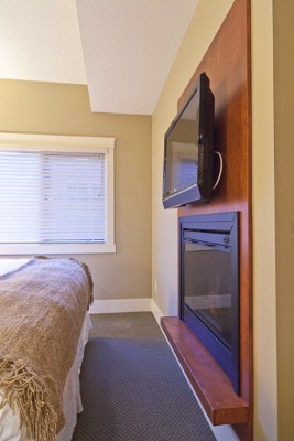 Fireplaces & Tv\'s In Some Bedrooms 7 of 16
