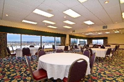 The Pend Oreille Ballroom Offers A Beautiful View Of Spokane And Great Meeting Space 10 of 20