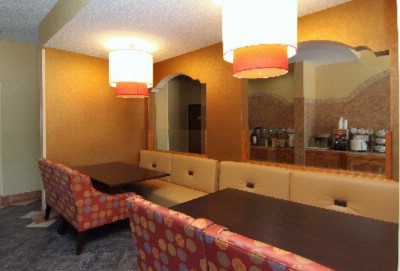 Comfort Inn & Suites Burnet Breakfast Seating Area