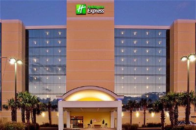 Holiday Inn Express 1 of 7