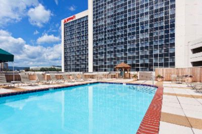 Marriott Sundeck/outdoor Pool 10 of 11