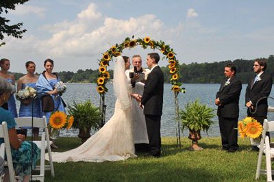 Lake Side Wedding At Interlaken Inn 12 of 16