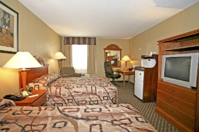 2 Double Double Guestroom 6 of 7