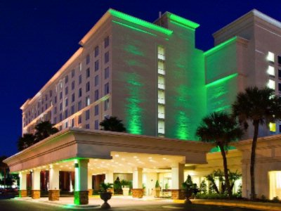 Holiday Inn & Suites Across From Universal Orlando™ 1 of 21