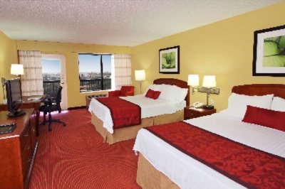 Double Queen Room With Private Balcony 3 of 12