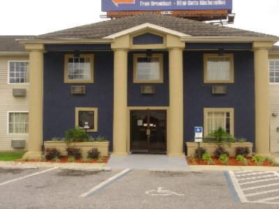 Image of Travelodge Inn & Suites Pensacola