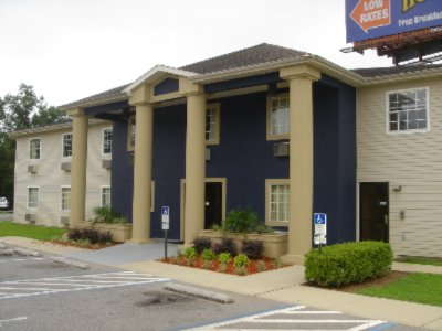 Travelodge Inn & Suites 8 of 8