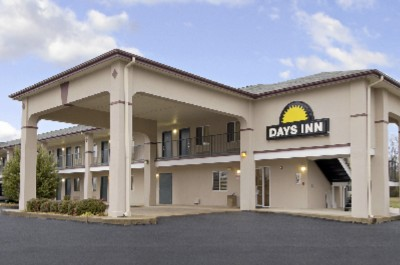 Days Inn Hamilton 1 of 8