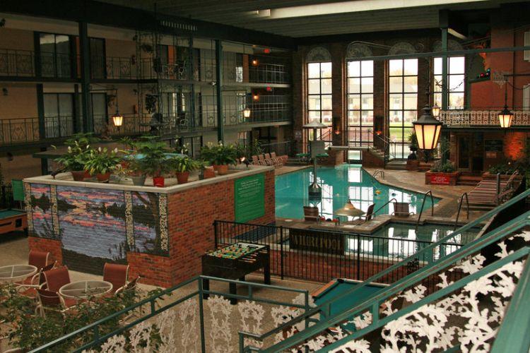 Holidome Pool 6 Of 17