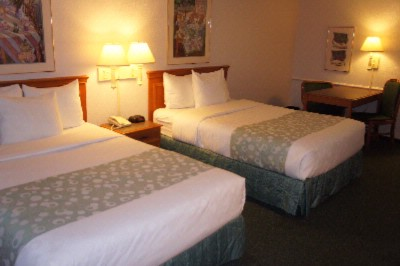 Room With 2 Double Beds 7 of 11