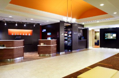 Our Cheerful & Modern Lobby Welcomes You! 3 of 12