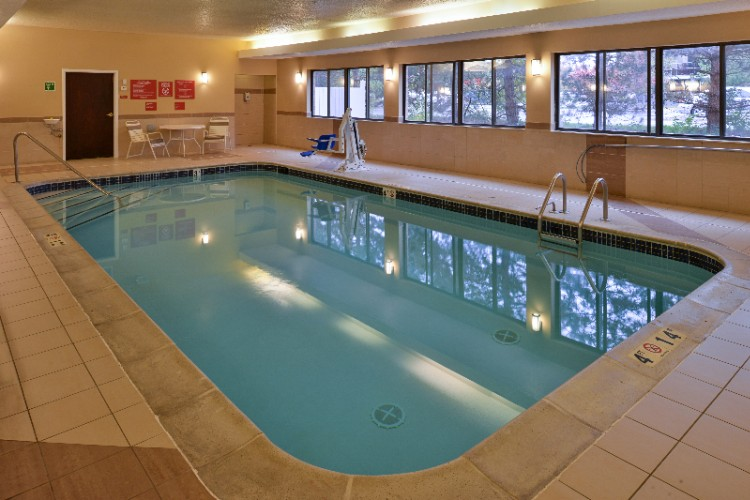 Indoor Swimming Pool 8 of 12