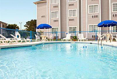 Microtel Inn & Suites by Wyndham Gulf Shores 1 of 13