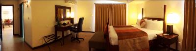 Executive Suite 3 of 7