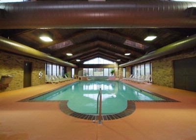 Indoor Heated Pool And Jacuzzi 5 of 9