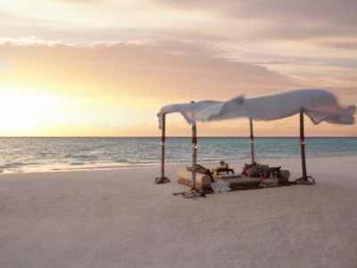 Dine By Design -Romantic Set Up On The Beach 12 of 16