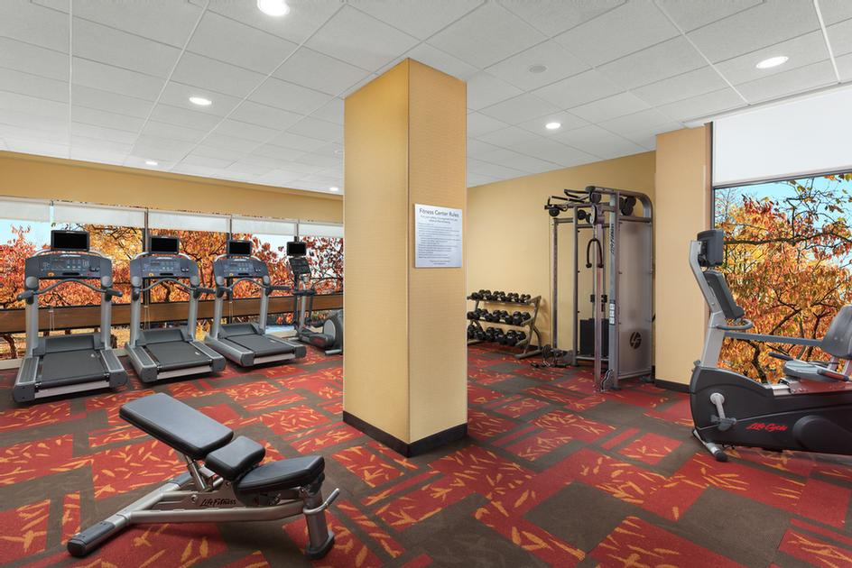 Fitness Center 15 of 22
