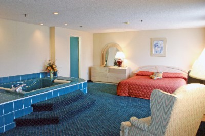 Honeymoon Suite 4 of 5