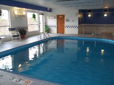 Sparkling Indoor Pool & Spa 6 of 11
