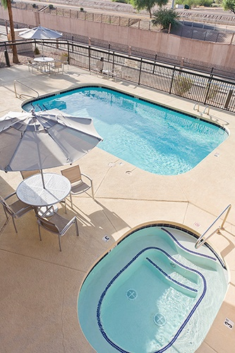 Springhill Suites Phoenix North Pool 7 of 12