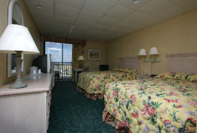 Oceanview Room With Two Double Beds 8 of 11