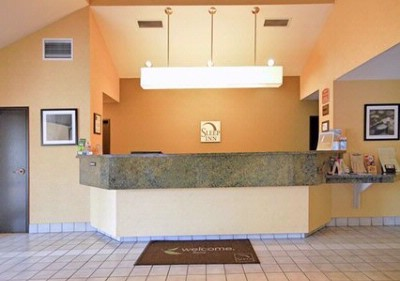 Lobby/front Desk 4 of 7