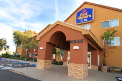 Best Western Plus North Las Vegas Inn & Suites 1 of 9