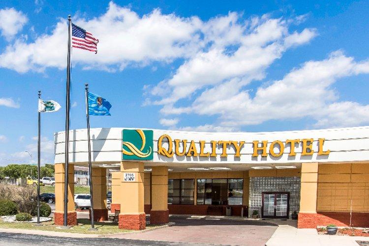 Quality Hotel Ardmore 2705 West Broadway Ok 73401