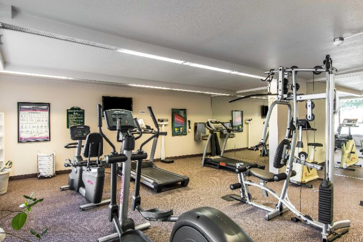 Fitness Center 8 of 18