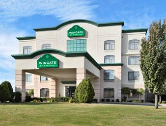 Wingate by Wyndham 1 of 10