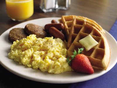 Free Hot Breakfast 11 of 16