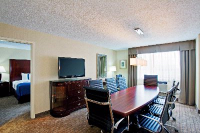 Executive King Suite 3 of 13