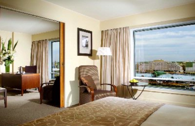 Darling Harbour Suite 6 of 17