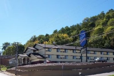 Image of Nichols Inn & Suites