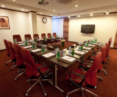 Crowne Plaza Riyadh Minhal Al Diwan Meeting Room