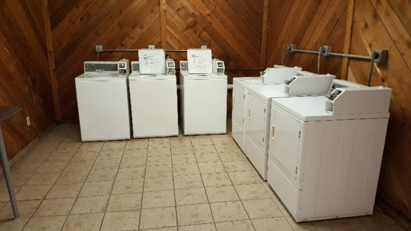 Laundry Room 7 of 16