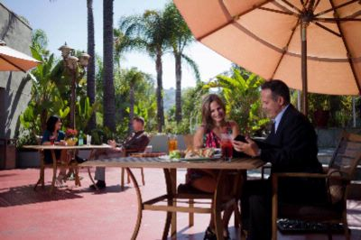 Sierra Courtyard Is Perfect For Casual Dining Small Events And Social Gatherings 10 of 12