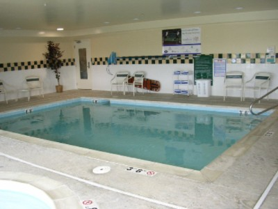 Indoor Swimming Pool 4 of 11