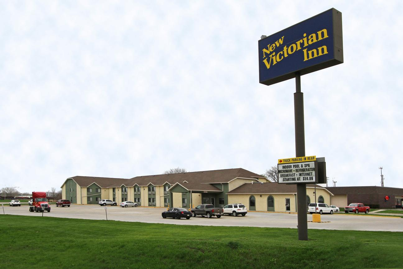 NEW VICTORIAN INN & SUITES - Norfolk NE 1001 Omaha 68701
