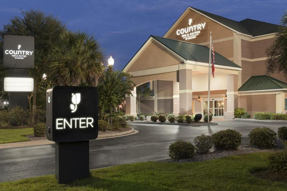 Image of Country Inn & Suites Savannah Gateway