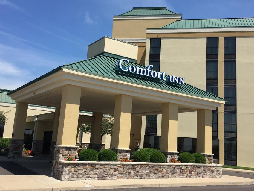 Comfort Inn Miami Valley Centre Mall Main Entrance