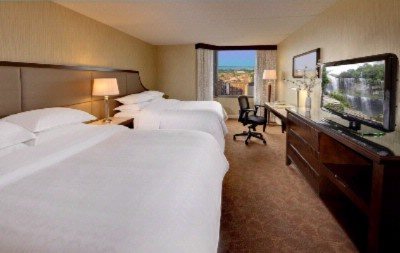 Superior Double Queen Guestroom 3 of 11